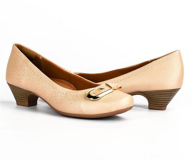 405f66d6fd Sapato com Salto Campesí Cor Castor com faixa de Stretch para ...