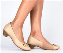 Sapato com  Salto Campesí Cor Castor com faixa de Stretch para Joanete